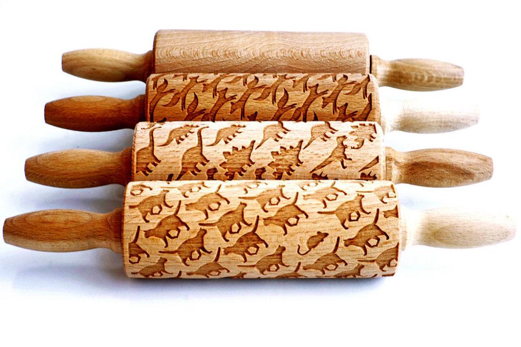 Veja este criativo rolo de madeira que imprime padrões decorativos 04