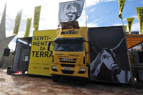 Caminhão museu vai até os visitantes / Foto: em.com.br
