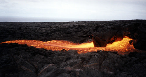 2002 hawaii fast lava flow