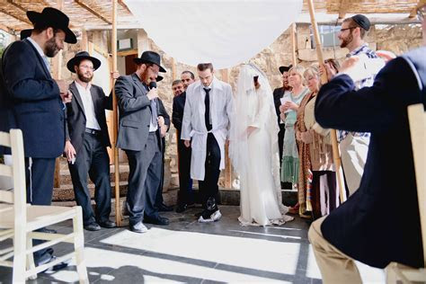 Breaking The Glass Behind The Jewish Wedding Tradition
