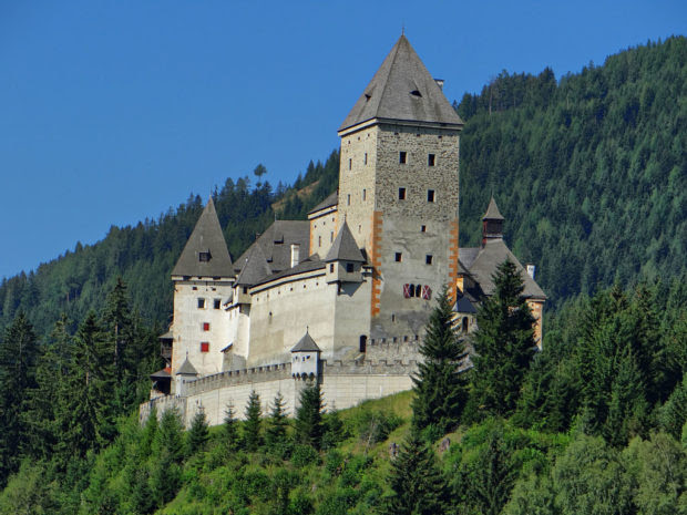 Top Haunted Castles for Traveling in Europe