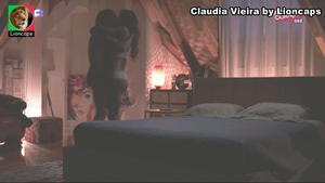 Claudia Vieira sensual na novela Alma e Coração
