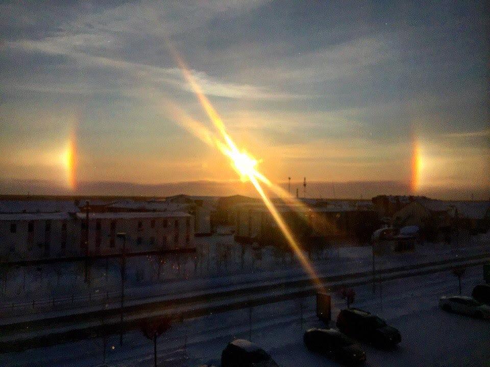 sun dog phenomenon, three suns phenomenon, sundogs, sundog, sundog phenomenon