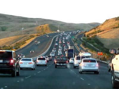 traffic.jpg (59504 bytes)