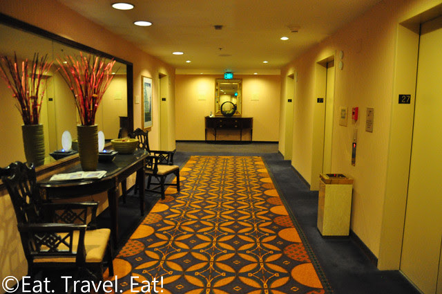 Grand Hyatt San Francisco: Before Renovation Elevator/Lift Lobby