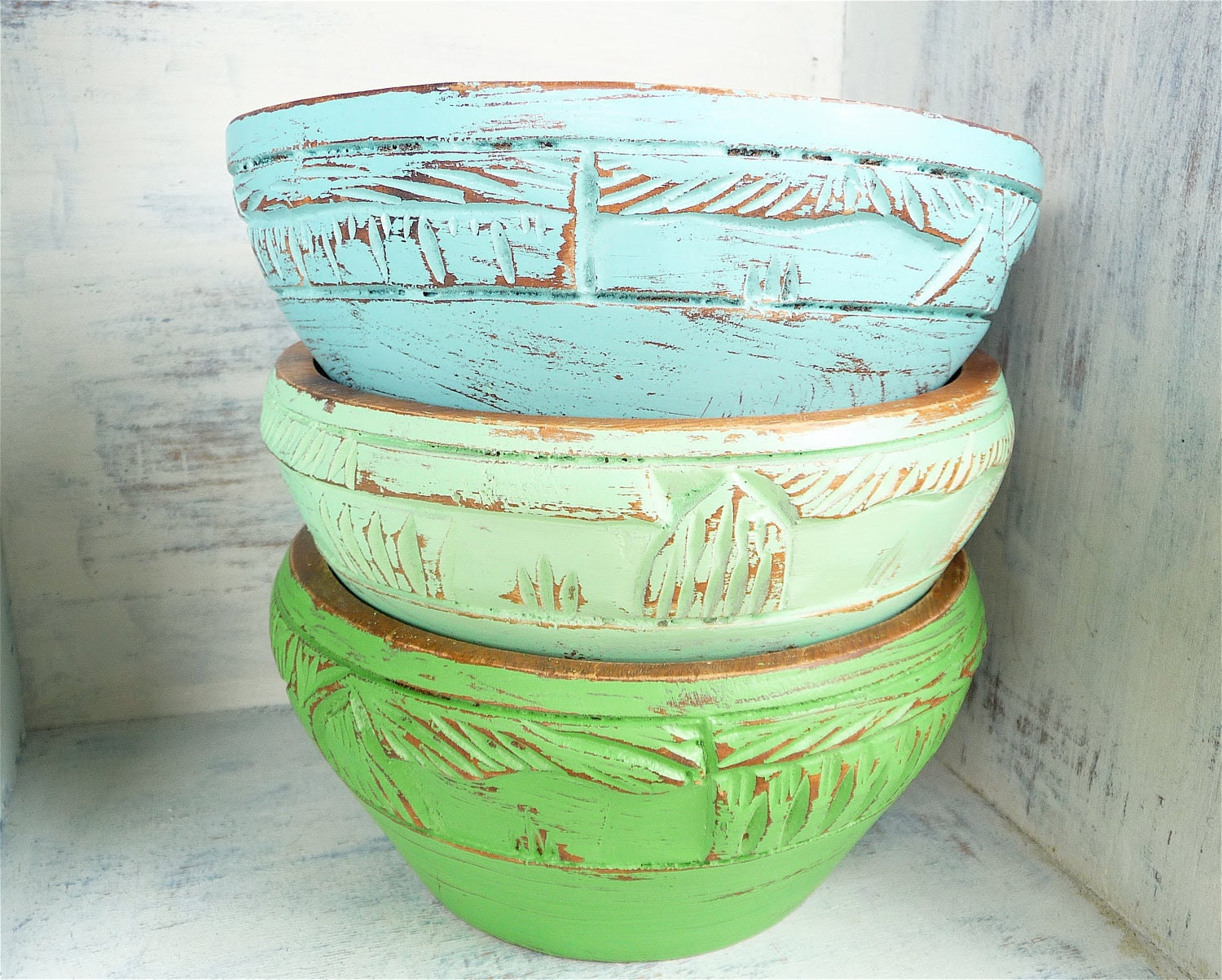 Set of 3 Shabby Chic Painted Carved Wood Bowls