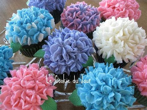 1000  ideas about Hydrangea Cupcakes on Pinterest   Flower