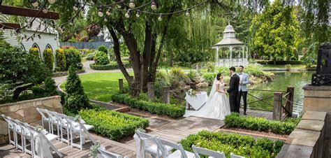 Melbourne Wedding Lakeside Jetty Ceremony   Ballara Receptions
