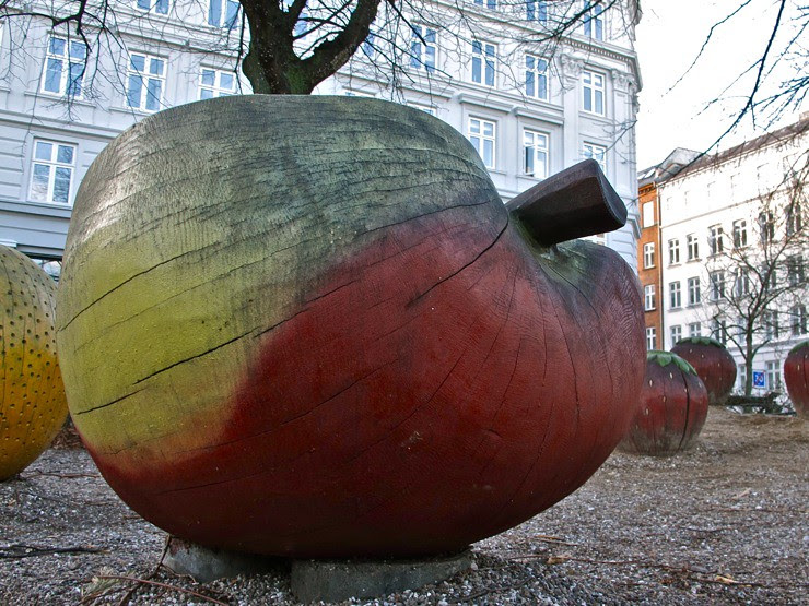 Wooden apple