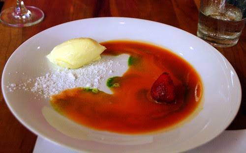 SPARKLING LEMONCURD MOUSSE - strawberry water caramel, mint oil, crêpe crunch