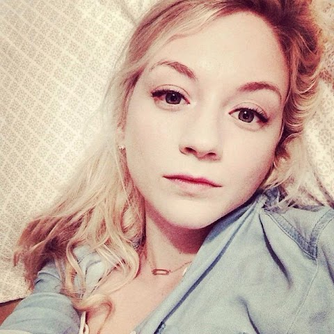 Emily Kinney Sexy - Hot 12 Pics | Beautiful, Sexiest