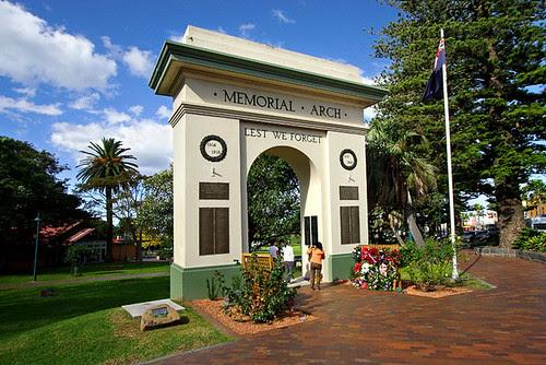 Kiama, New South Wales, Australia, Memorial Arch IMG_4364_Kiama