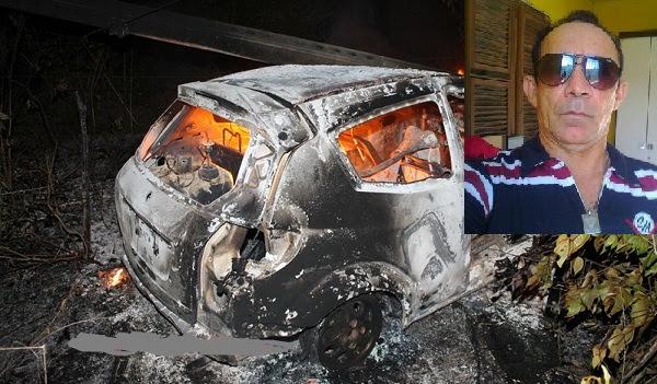 Carro incendiado pela população após o acidente