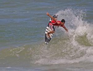 Potiguar Ítalo Ferreira é o novo campeão sul-americano Pro Junior (Foto: Fabriciano Junior/Dendê Produções/Divulgação)