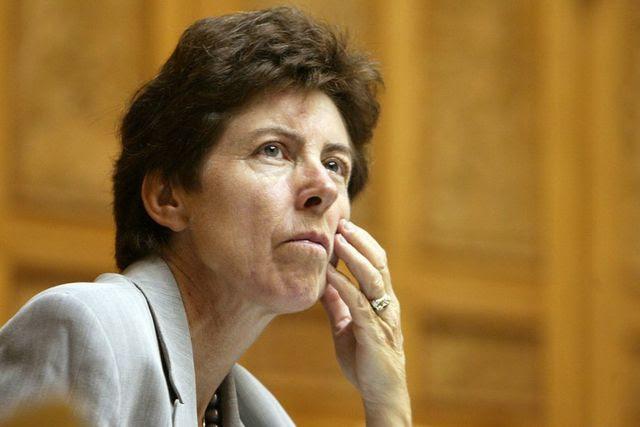Bestreitet die Vorwürfe: Kathy Riklin (CVP, ZH) im Nationalratssaal. (3. Oktober 2005)