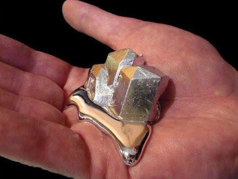 Galiul, metalul rar care ţi se topeşte în mână (Galerie video)