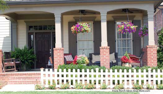 Summer Porch Decorating Ideas for a Cool Yet Sizzling Porch