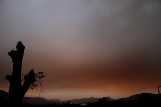 Η πρόγνωση του καιρού για την Τρίτη - Ξανάρχεται η σκόνη