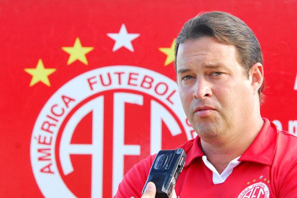 Roberto Fernandes - Técnico do América