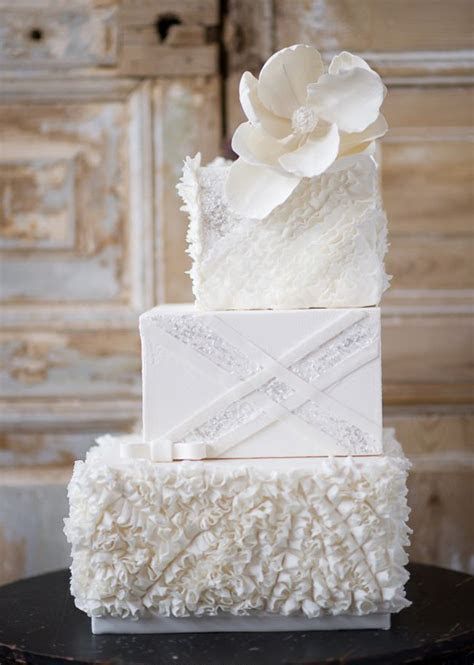 8 Stunning Staircase Cakes   Confetti.co.uk