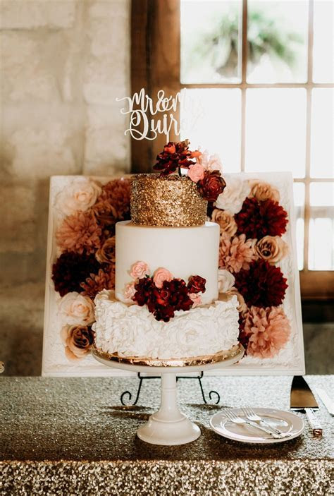 Beautiful Rose Gold Wedding Cakes   hitched.co.uk