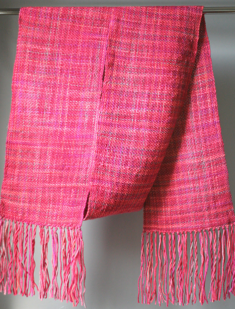 Woven scarf, complete