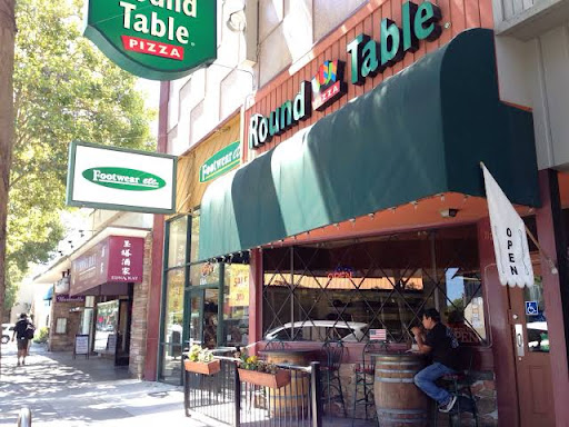 Pizza Restaurant Round Table Pizza Downtown Willow Glen Lincoln Ave Reviews And Photos 1175