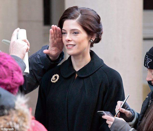 Pronta para seu close-up: Ashley foi recentemente as filmagens de companhia aérea Pan Am programa de TV