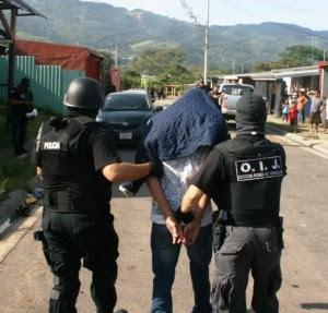 Detienen a hombre sospechoso de homicidio en Alajuela. Imágenes con fines ilustrativos. CRH.