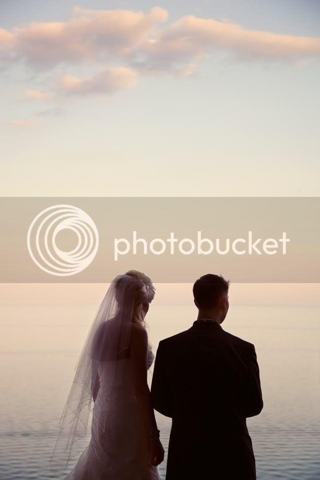 http://i892.photobucket.com/albums/ac125/lovemademedoit/093-1.jpg?t=1321801728