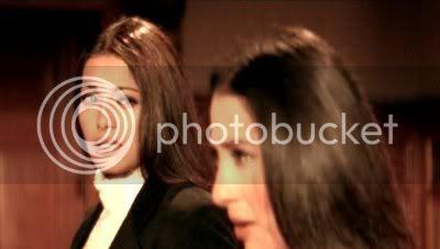 http://i298.photobucket.com/albums/mm253/blogspot_images/Raaz/PDVD_061.jpg