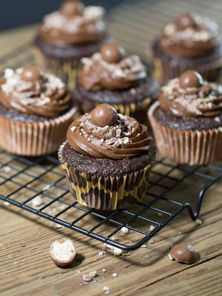 Best Moist Chocolate Mocha Cupcake Recipe | Intentional ...