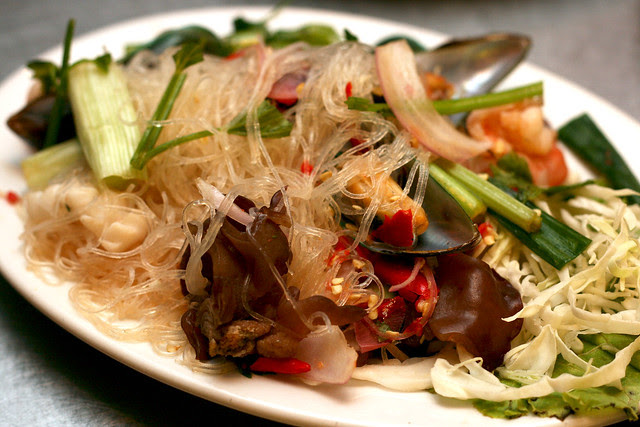 Yum Woon Sen (S$10) - Seafood Vermicelli Salad