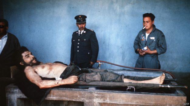 Corpo de Che Guevara / Crédito: AFP
