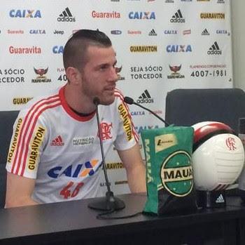 Paulo Victor coletiva Flamengo (Foto: Ivan Raupp / GloboEsporte.com)