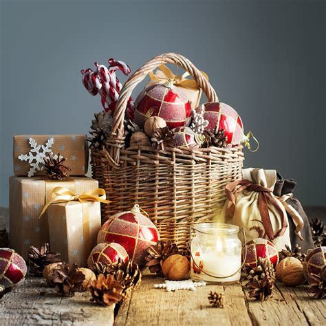 How to make your own Christmas Food Hamper   PollenNation