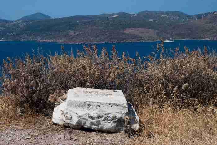Πως βρέθηκε η Αφροδίτη της Μήλου: Η ιστορία του αγρότη που σκάβοντας το χωράφι του ανακάλυψε το περίφημο άγαλμα