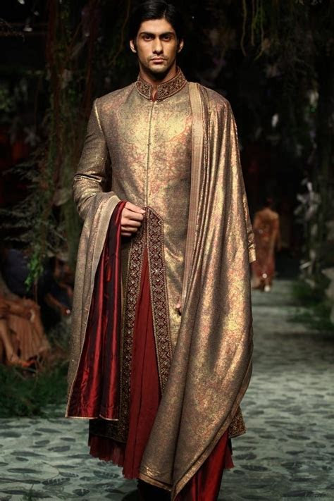 Best 25  Sherwani ideas only on Pinterest   Indian groom
