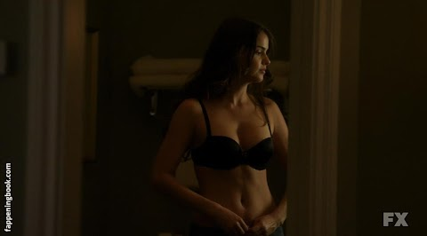 Shelley Hennig Nude Pictures Exposed (#1 Uncensored)
