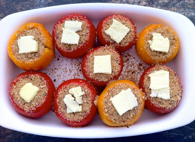 Tomatoes Topped with Breadcrumbs and Butter