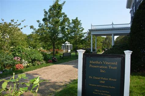 The Vineyard Gazette   Martha's Vineyard News   Going