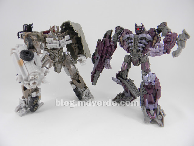 Transformers Megatron DotM Voyager - modo robot vs Shockwave