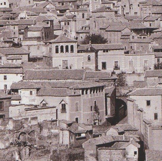 Iglesia de San Bartolomé en 1872. Detalle de una fotografía de Jean Laurent