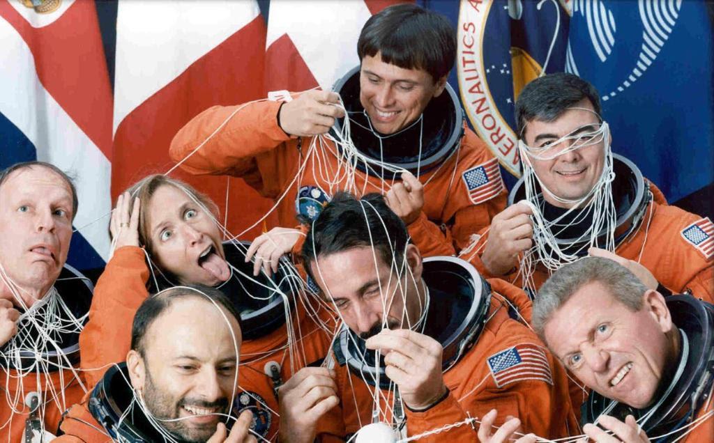 Jul31-1992-STS46crew2