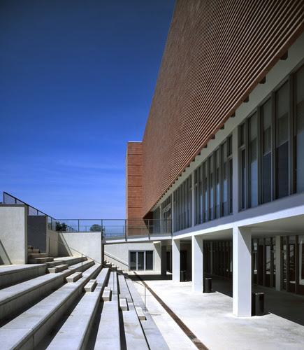 Roberto Ercilla — LIBRARY IN BARCELONA