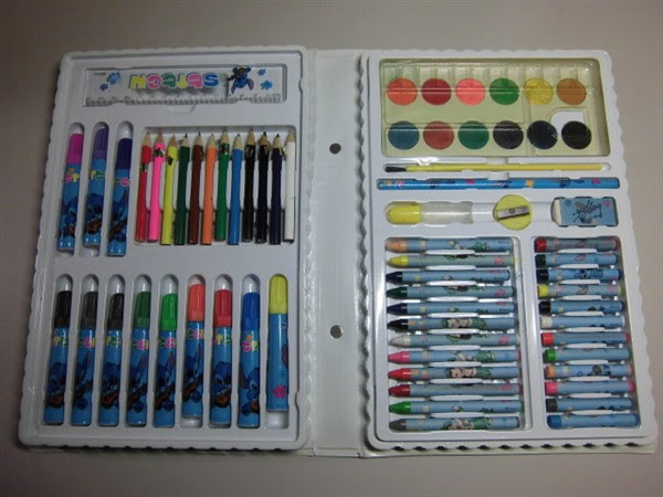 ディズニースティッチの塗り絵道具一式