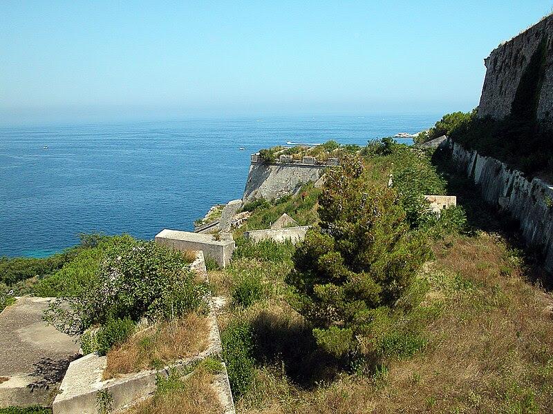 Archivo: Fortificaciones portoferraio.jpg