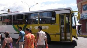 ARESEP defiende la metodología para definir las tarifas de los buses. Imagen con fines ilustrativos. CRH