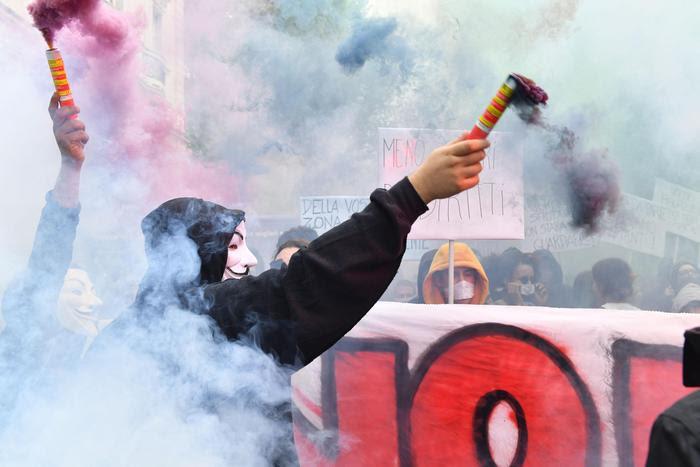 Risultati immagini per g7 torino proteste