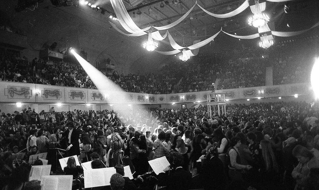The Berkeley Promenade Orchestra would provide the Last Waltz's early entertainment, with many in the audience dancing. Photo: Gary Fong, The Chronicle